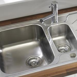 Traditional Kitchen Sink